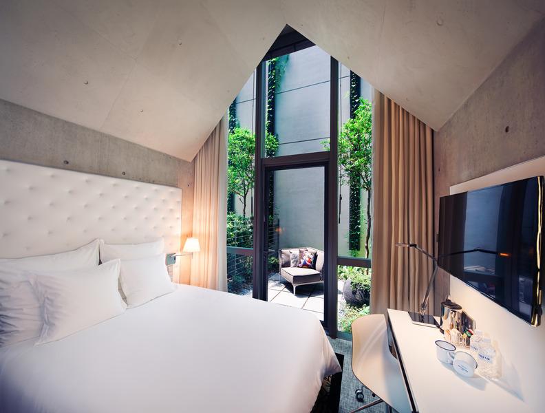 M Social Singapore Loft Gallery Room